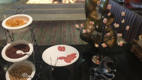 呼倫貝爾套房假日酒店(潤園四季餐廳)