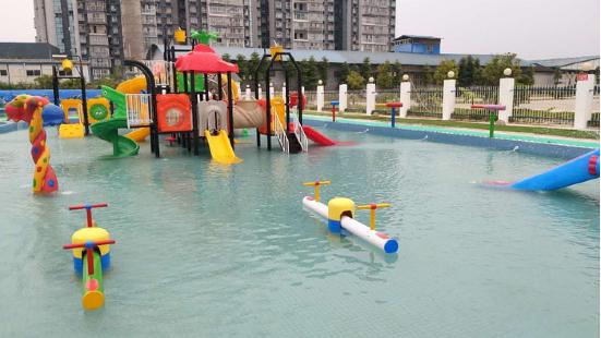 假日時光水上樂園