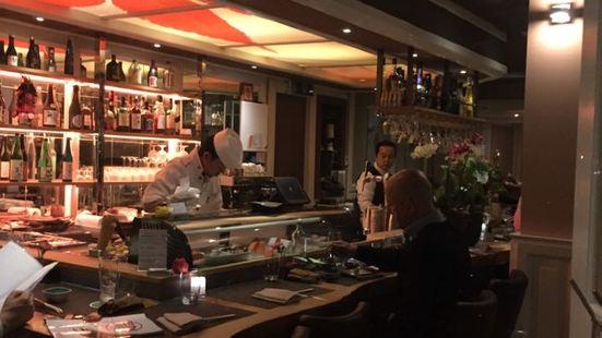 EN Japanese kitchen & sake bar