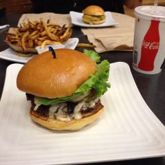 Ultimate Burger User Photo