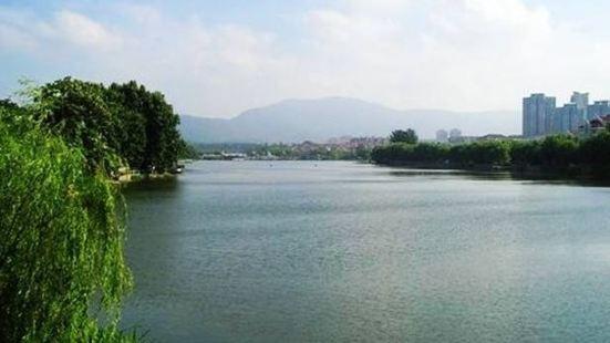 月牙湖風景區