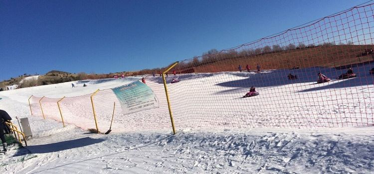右玉南山滑雪場2
