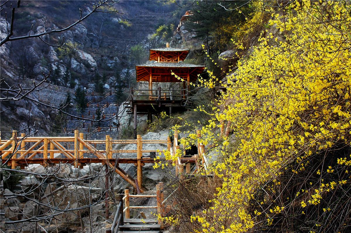 九如山瀑布群風景區