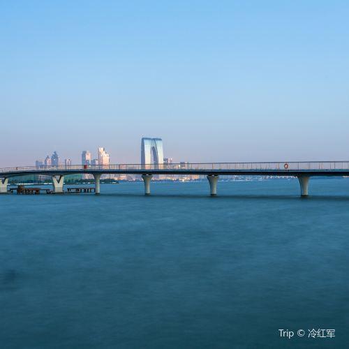 Jinji Lake