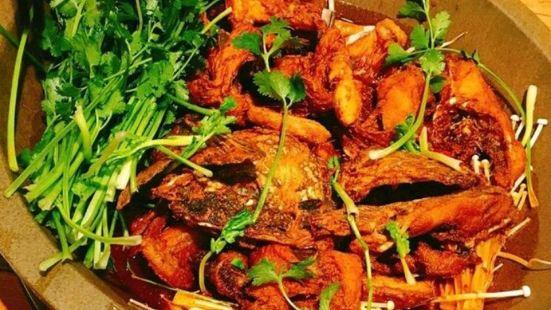 蜀留香石鍋魚