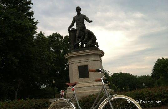 Lincoln Park3