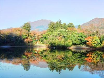 Shirakumonoike Pond