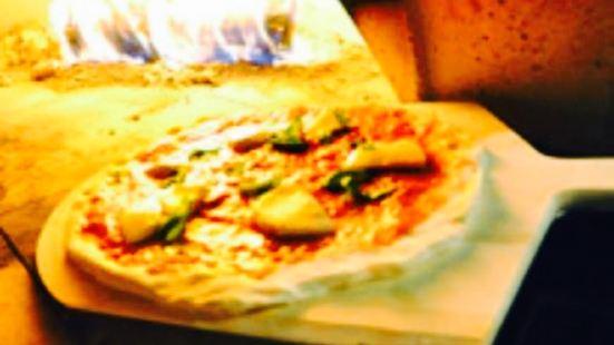 Champion 2 Pour 1 Pizza