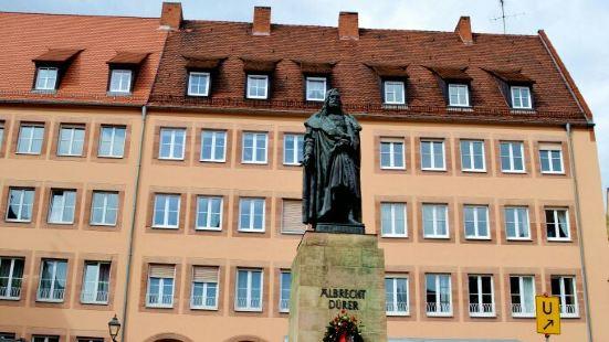 Albrecht Dürer Monument