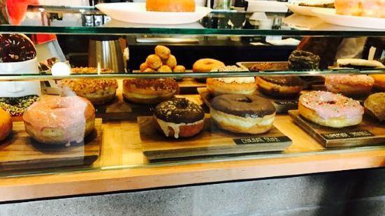 Morningstar Coffee & Donuts