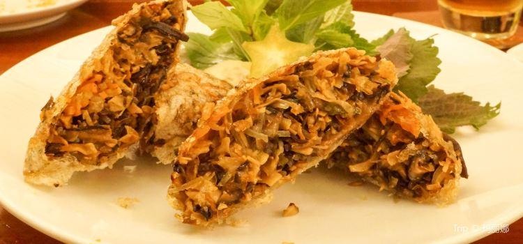 Hum Vegetarian Cafe & Restaurant2
