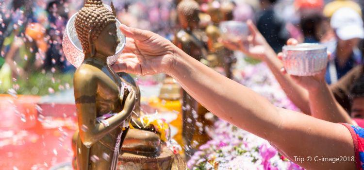 Songkran Festival Silom3