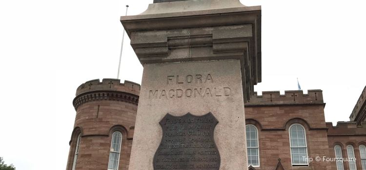 Flora MacDonald Statue3