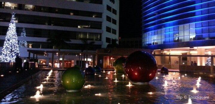 Plaza Futura3