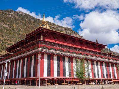 Leiwuqi Temple