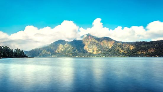 바뚜르 호수
