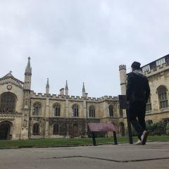펨브룩 대학 여행 사진
