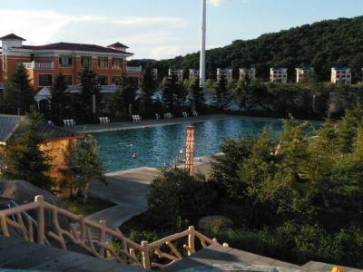 Yanming Lake Shenlong Hot Spring Resort
