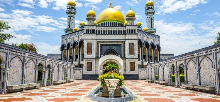 哈桑納爾·博爾基亞清真寺