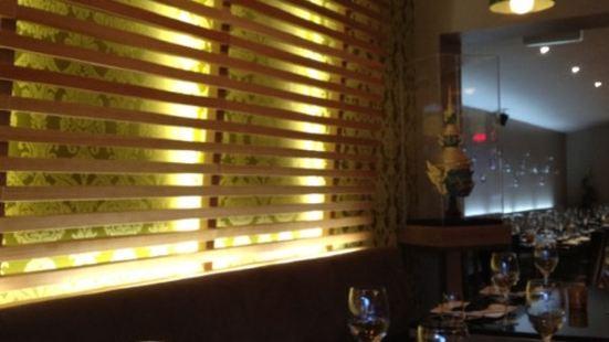 De GRAND Thai Restaurant and Bar
