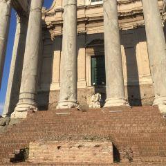Tempio di Antonino e Faustina User Photo