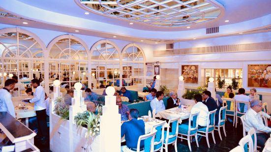 Niros Restaurant