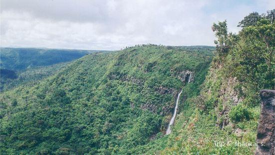 Alexandra Falls Lookout Point