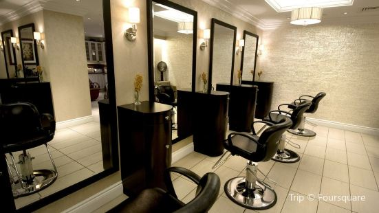 Well Spa + Salon at the Pfister Hotel