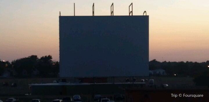 Admiral Twin Drive-In2