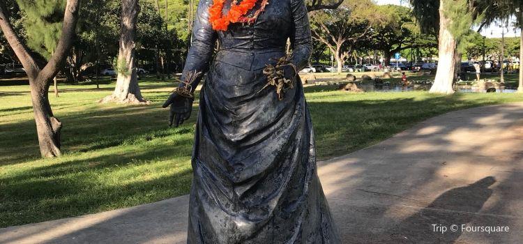 Queen Kapiolani Statue3