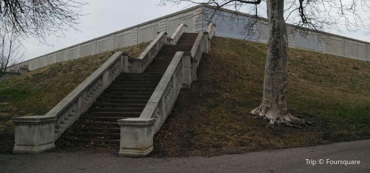 Compton Hill Reservoir Park3
