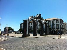 Portas da Cidade-蓬塔德尔加达