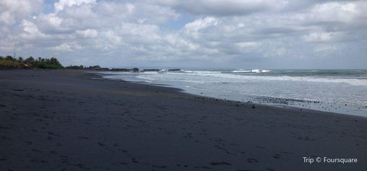 Nyanyi Beach2