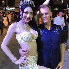 Simon Cabaret Show User Photo