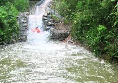 千島湖龍門峽谷漂流