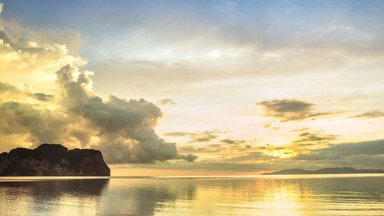 Klong Son Beach
