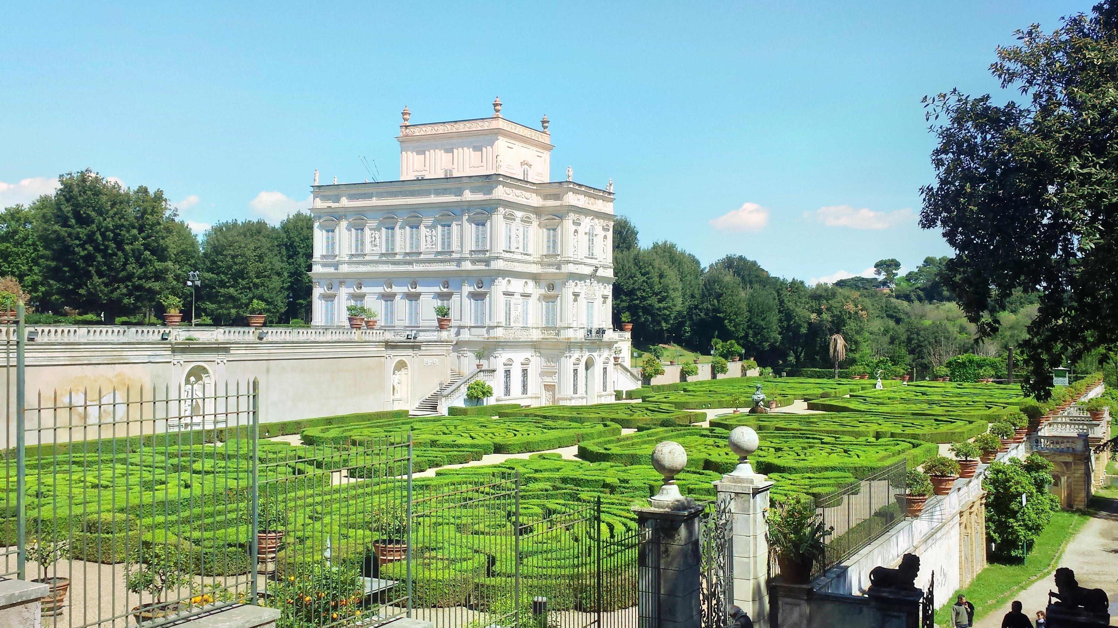 Antica Villa Gaeta villa doria pamphilj travel guidebook –must visit