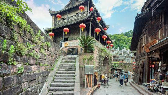湘西東門城樓