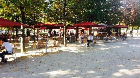 Le Cafe de Diane