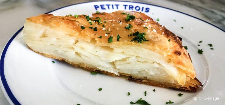 Petit Trois3