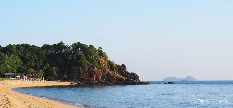 Maenam Beach1