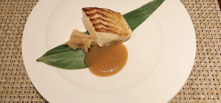 Ito Dining Bai Knob3