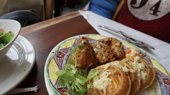 Miss Shirley's Cafe, Roland Park