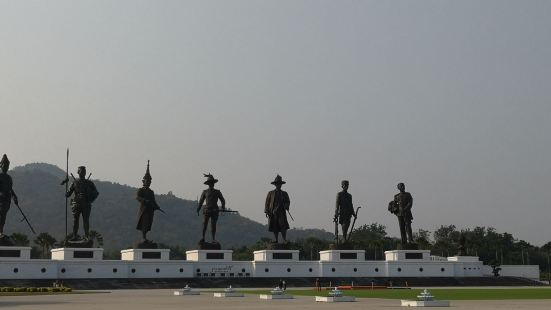 7 Kings of Siam Statues