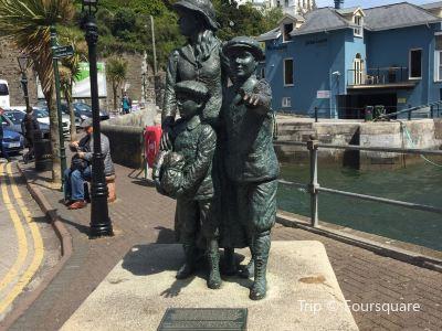 Annie Moore Statue