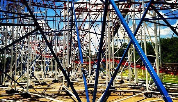 Joyland Amusement Park3
