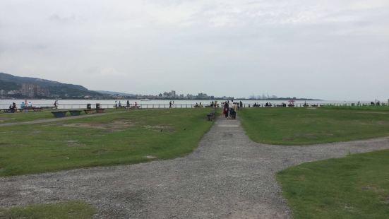 淡水河沿岸自行車道