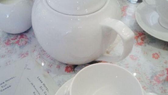 Tea & Crumpet