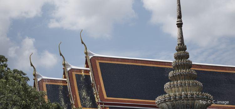 Wat Mahathat Yuwaratrangsarit1