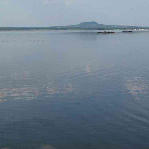 五大連池漂流